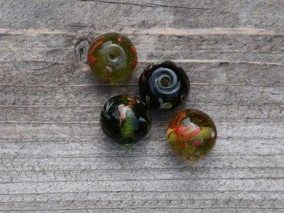Kraal glas groen beschilderd 1,5 cm