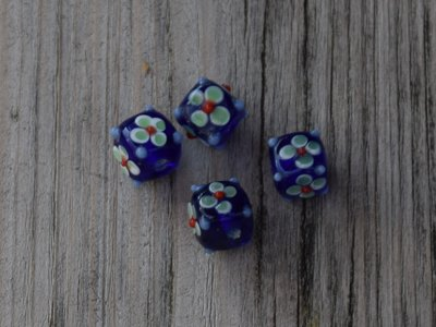 Kraal glas blauw beschilderd 1,0 cm